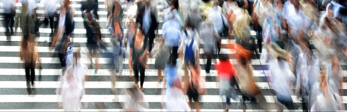 pedestrians-400811_1920